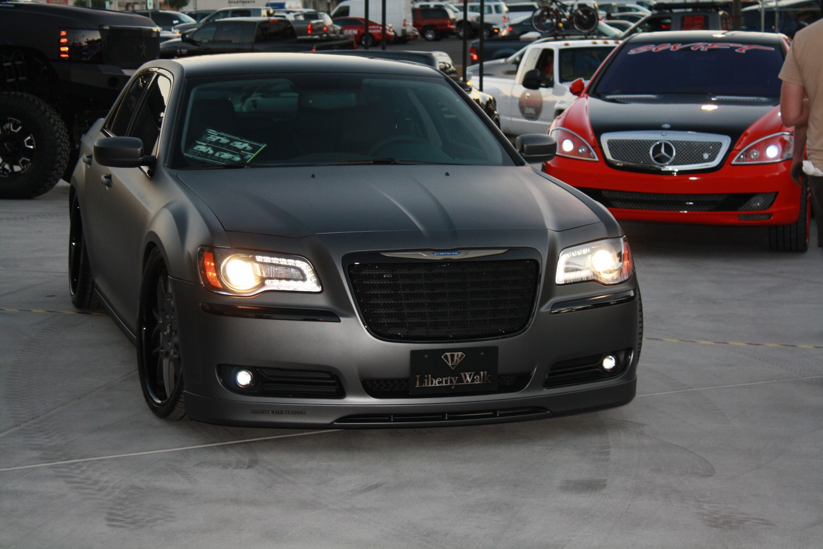 Chrysler 300 Black Wallpaper 3888x2592 Full Hd Wall