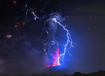 Awesome Volcano Lightning