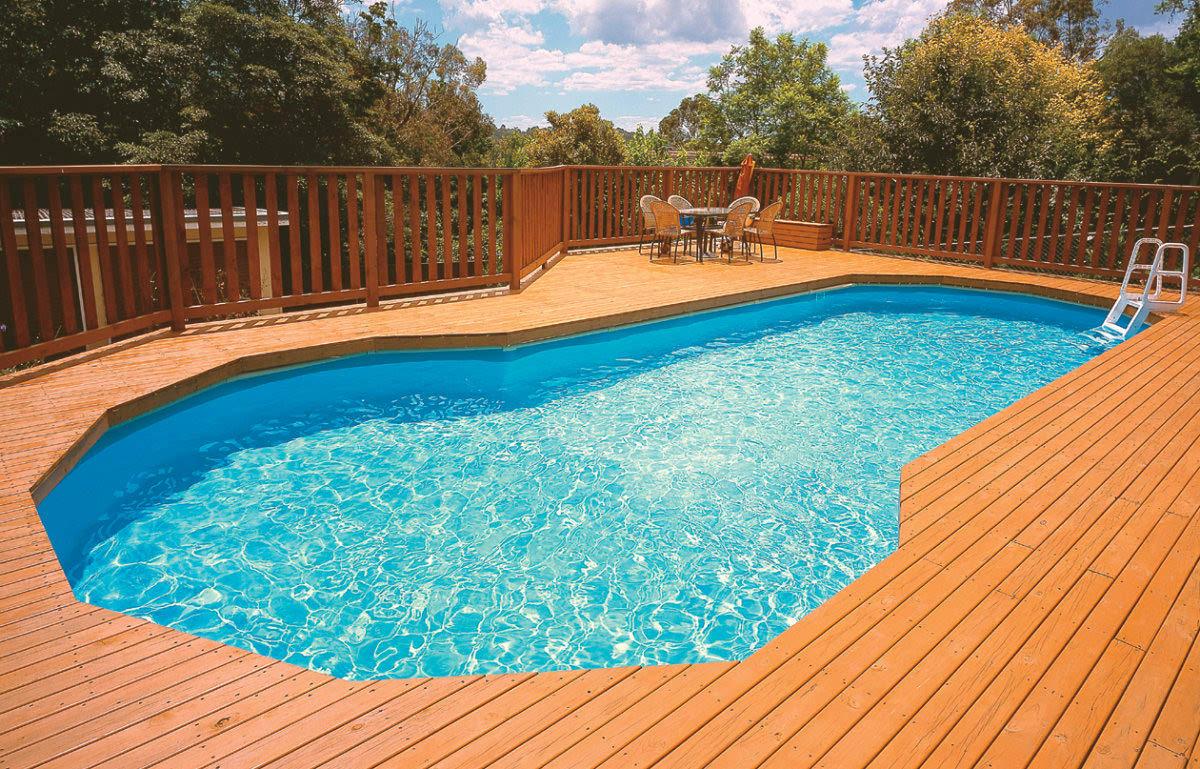 Widescreen Pool