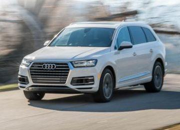 White Audi Q7
