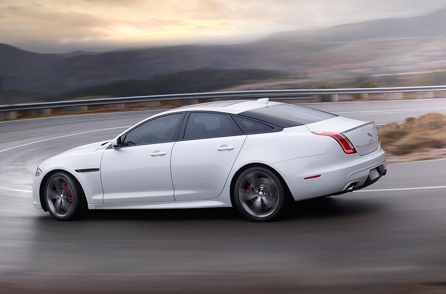 White Jaguar XJ