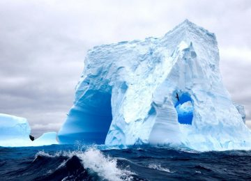 Nice Iceberg Wallpaper