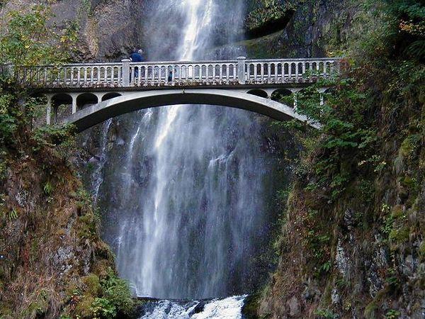 HD Multnomah Falls