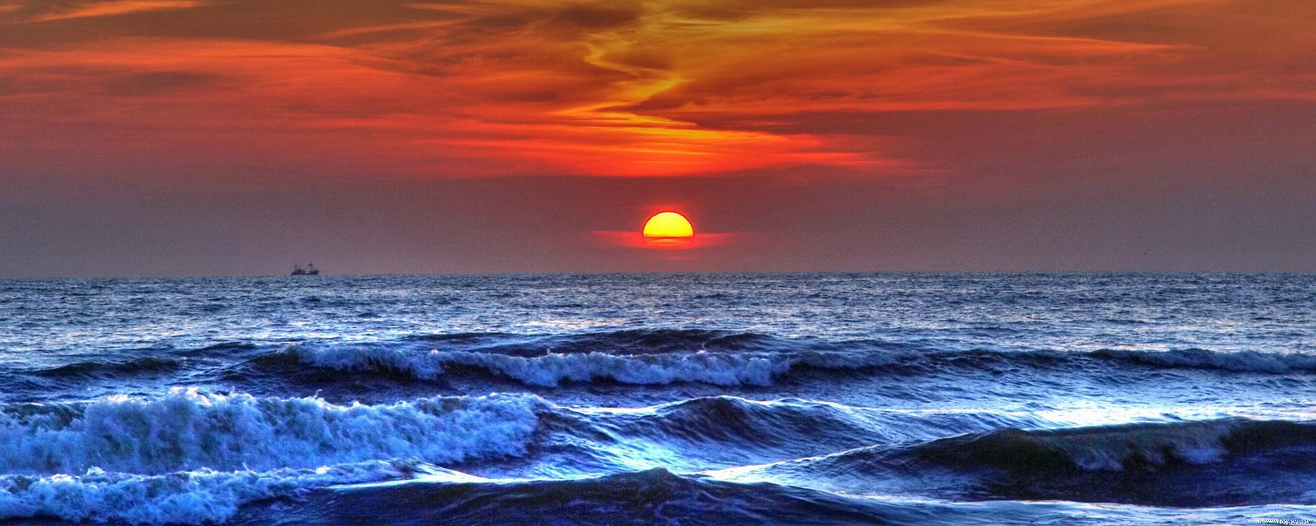 Beautiful Sea Waves Sunset