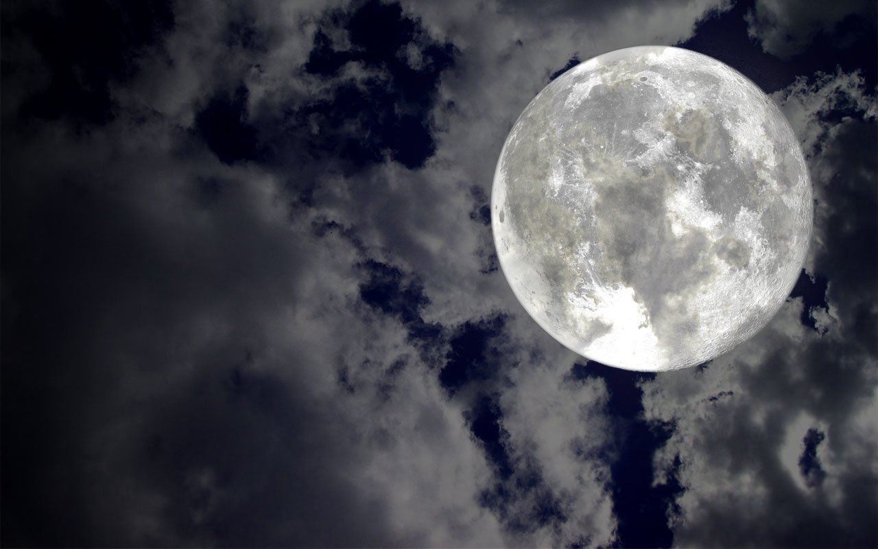 Super Moon Wallpaper