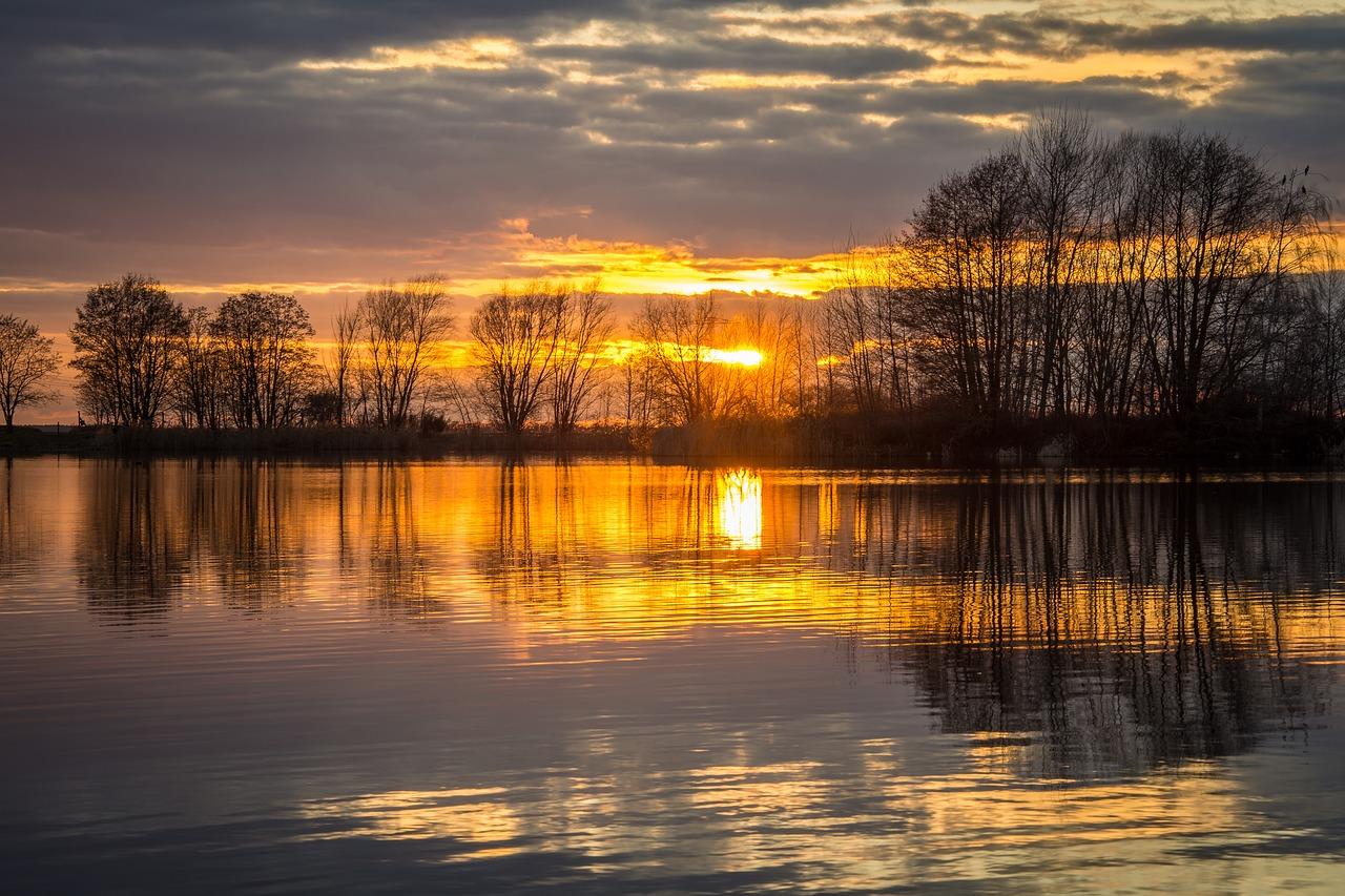 Awesome Sunset Lake