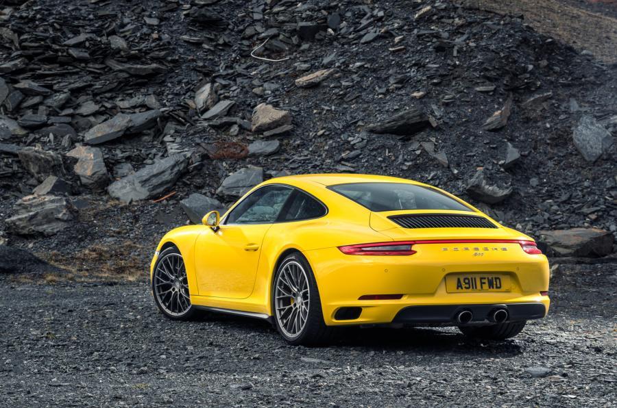 Nice Porsche 911 Carrera 4S
