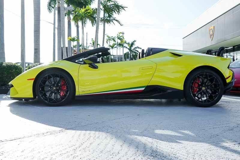 Amazing Lamborghini Huracan Performante