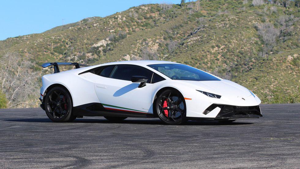 White Lamborghini Huracan Performante