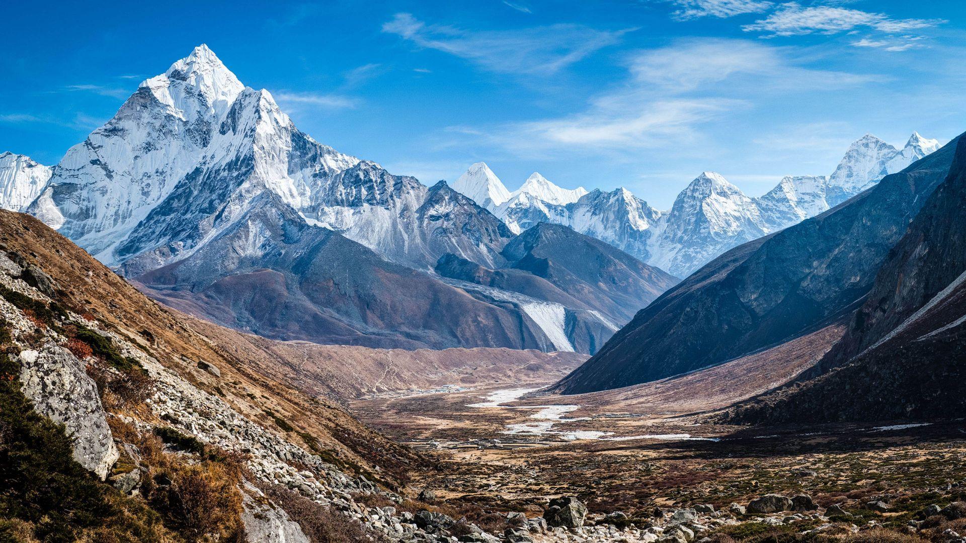 Cool Mountains 4K