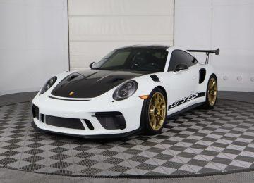 White Porsche 911 GT3 RS